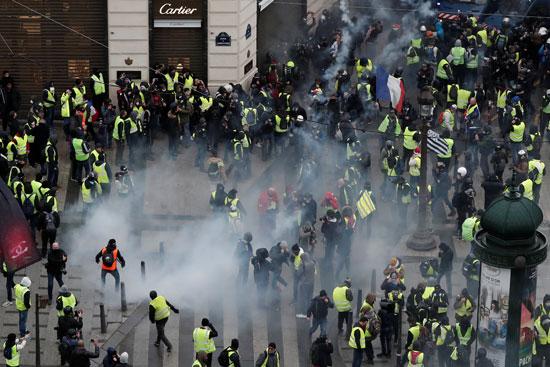 مظاهرات-فرنسا-(2)