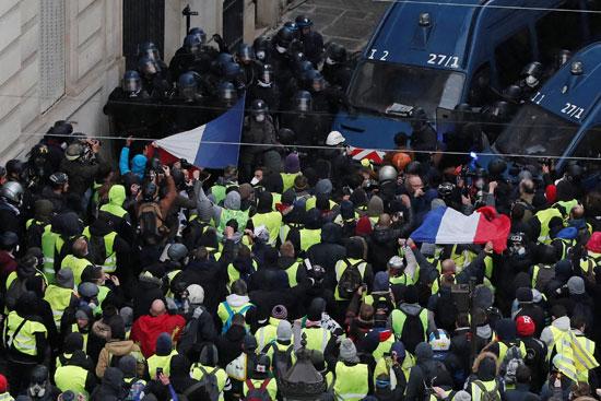 مظاهرات-فرنسا-(33)