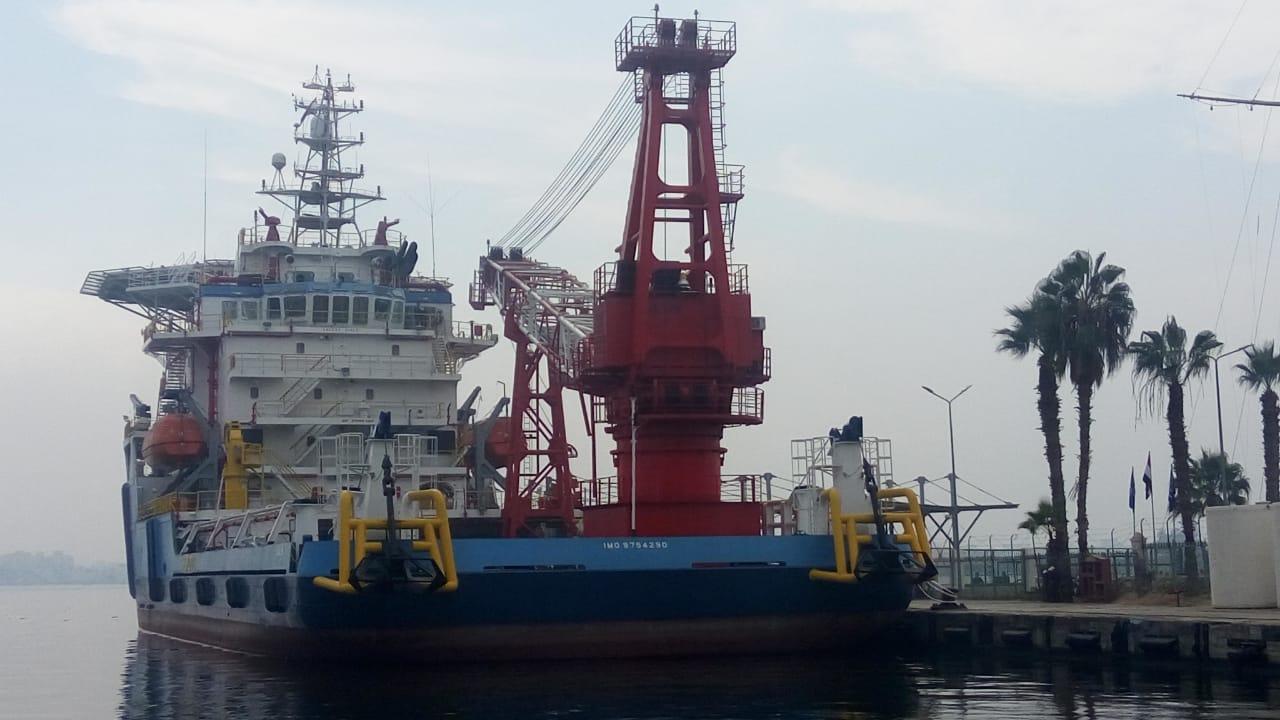 3- أكبر سفينة خدمات بترول فى الشرق الأوسط