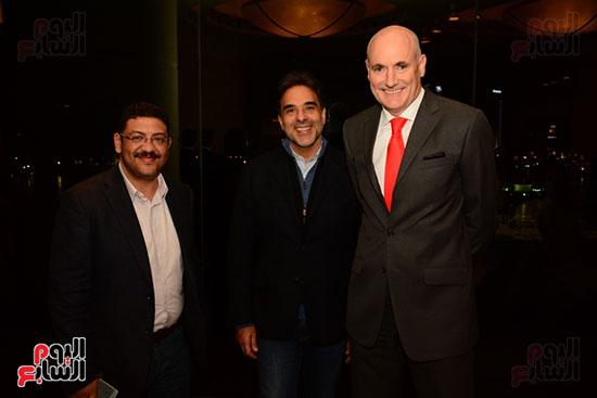 أشرف عبد الباقى ونجوم الفن يحتفلون بـالعرض 100 لمسرح مصر (41)