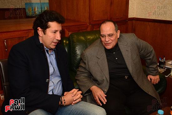 أشرف عبد الباقى ونجوم الفن يحتفلون بـالعرض 100 لمسرح مصر (61)