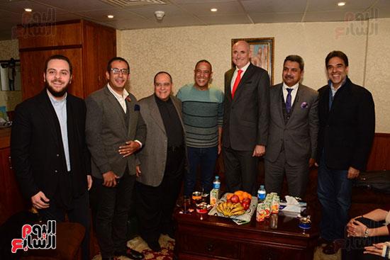 أشرف عبد الباقى ونجوم الفن يحتفلون بـالعرض 100 لمسرح مصر (55)