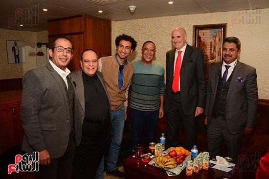 أشرف عبد الباقى ونجوم الفن يحتفلون بـالعرض 100 لمسرح مصر (56)