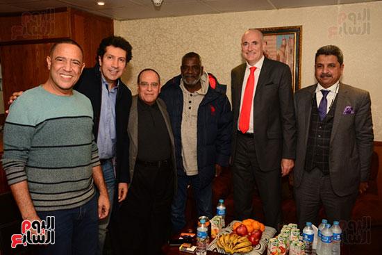 أشرف عبد الباقى ونجوم الفن يحتفلون بـالعرض 100 لمسرح مصر (62)