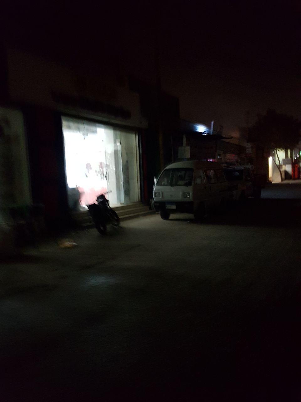 2- اظلام بعض الشوارع
