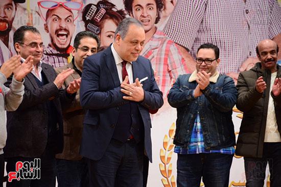 أشرف عبد الباقى ونجوم الفن يحتفلون بـالعرض 100 لمسرح مصر (13)