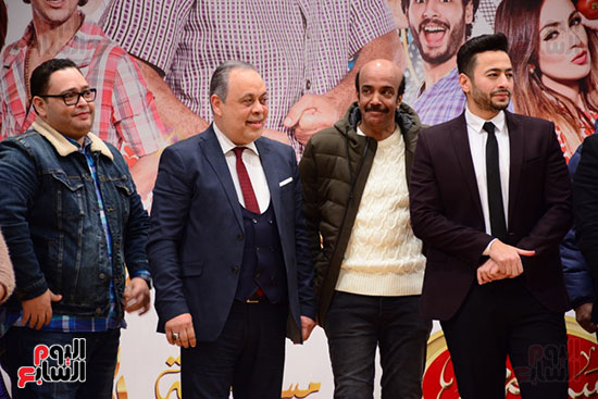 أشرف عبد الباقى ونجوم الفن يحتفلون بـالعرض 100 لمسرح مصر (15)