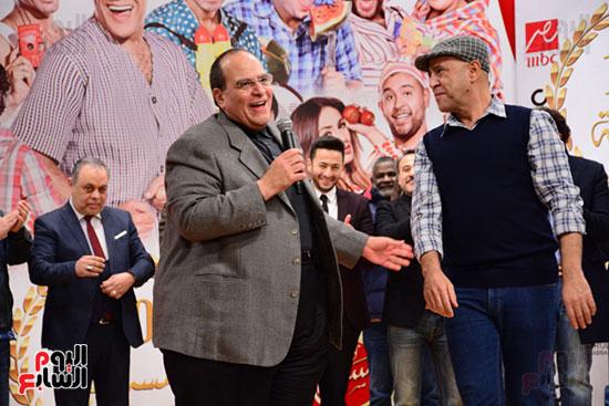 أشرف عبد الباقى ونجوم الفن يحتفلون بـالعرض 100 لمسرح مصر (21)