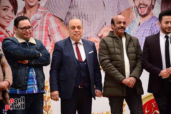 أشرف عبد الباقى ونجوم الفن يحتفلون بـالعرض 100 لمسرح مصر (19)