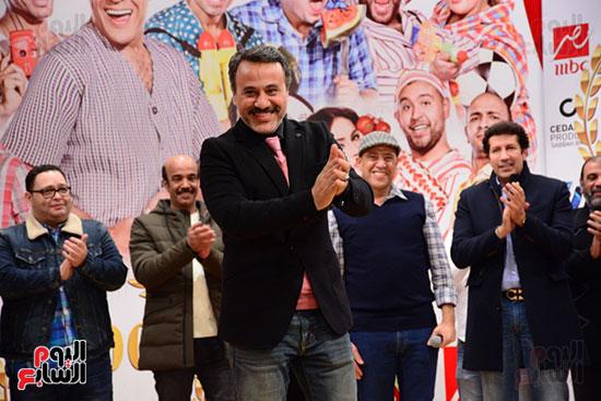أشرف عبد الباقى ونجوم الفن يحتفلون بـالعرض 100 لمسرح مصر (12)