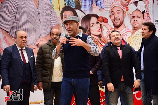 أشرف عبد الباقى ونجوم الفن يحتفلون بـالعرض 100 لمسرح مصر (18)