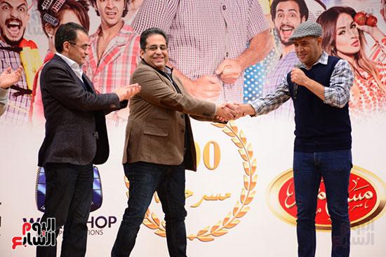 أشرف عبد الباقى ونجوم الفن يحتفلون بـالعرض 100 لمسرح مصر (2)