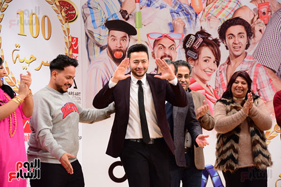 أشرف عبد الباقى ونجوم الفن يحتفلون بـالعرض 100 لمسرح مصر (5)