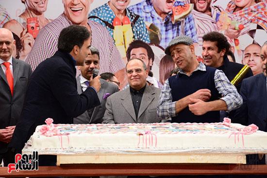 أشرف عبد الباقى ونجوم الفن يحتفلون بـالعرض 100 لمسرح مصر (28)