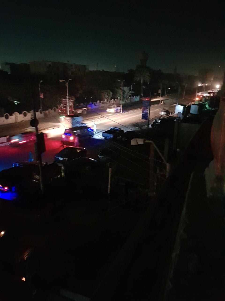 6- ميادين وشوارع مظلمة