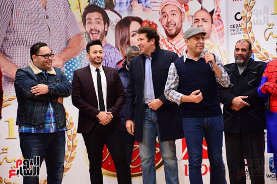 أشرف عبد الباقى ونجوم الفن يحتفلون بـالعرض 100 لمسرح مصر (10)