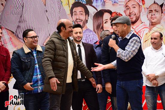 أشرف عبد الباقى ونجوم الفن يحتفلون بـالعرض 100 لمسرح مصر (11)