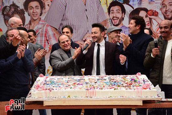 أشرف عبد الباقى ونجوم الفن يحتفلون بـالعرض 100 لمسرح مصر (37)