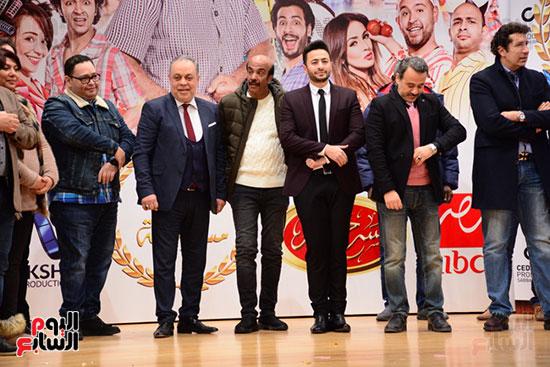 أشرف عبد الباقى ونجوم الفن يحتفلون بـالعرض 100 لمسرح مصر (14)