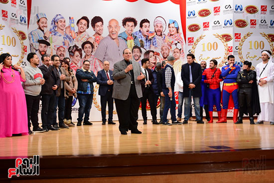 أشرف عبد الباقى ونجوم الفن يحتفلون بـالعرض 100 لمسرح مصر (24)