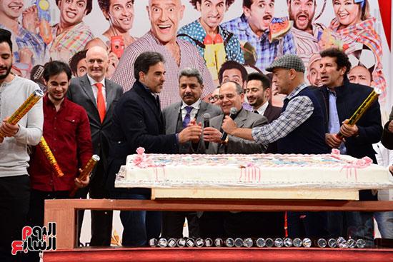 أشرف عبد الباقى ونجوم الفن يحتفلون بـالعرض 100 لمسرح مصر (26)