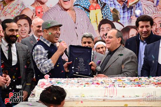أشرف عبد الباقى ونجوم الفن يحتفلون بـالعرض 100 لمسرح مصر (32)