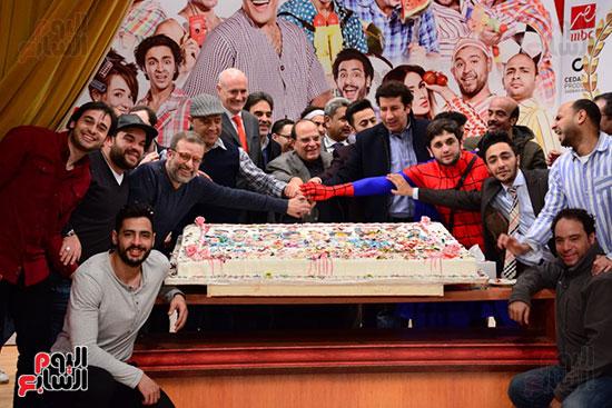 أشرف عبد الباقى ونجوم الفن يحتفلون بـالعرض 100 لمسرح مصر (35)