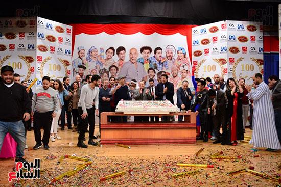 أشرف عبد الباقى ونجوم الفن يحتفلون بـالعرض 100 لمسرح مصر (33)