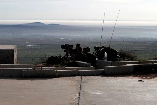 جنود الاحتلال يتمركزن على هضبة الجولان المحتلة