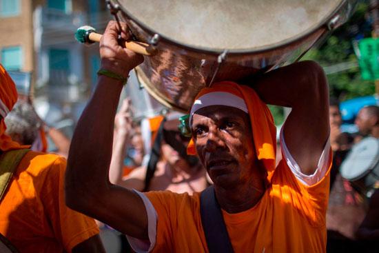 أحد المشاركين فى كرنفال ريو دى جانيرو
