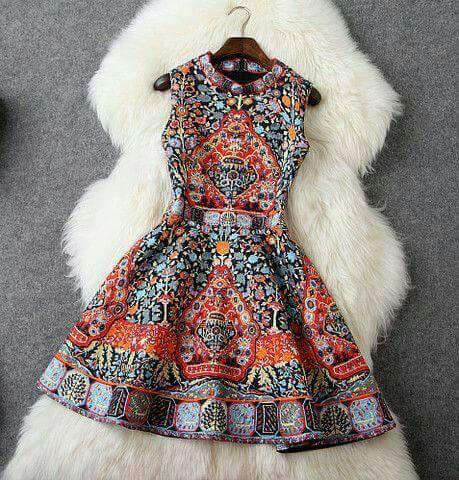 فستان مطرز قصير