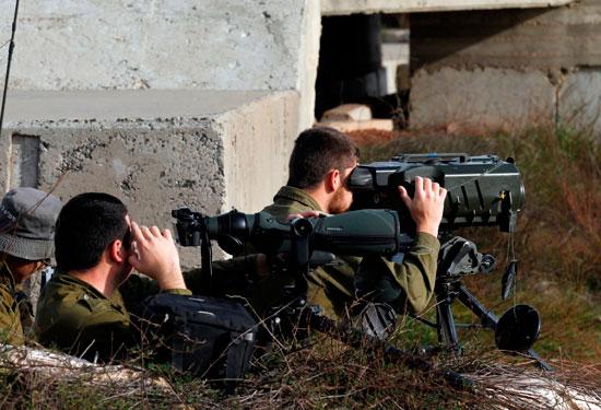 قوات الاحتلال تتابع العمليات على الأراضى السورية