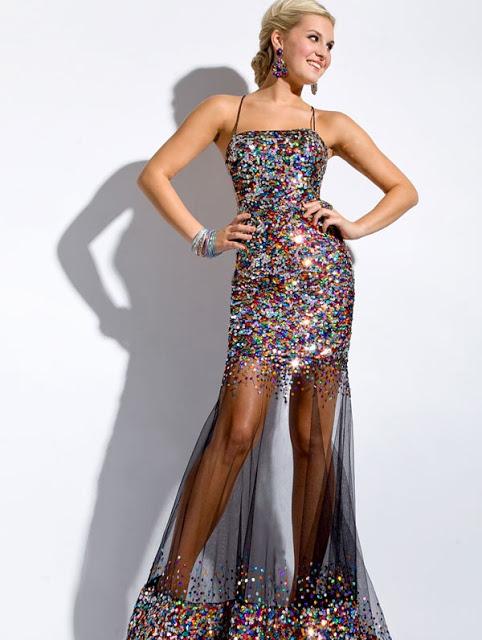 فستان مطرز طويل