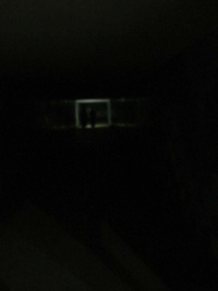 النفق بدون إضاءة