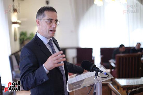 بول جارنييه سفير سويسرا يستعرض تفاصيل التطبيق الجديد