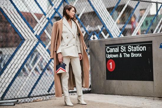 موديلات حقائب بأسبوع الموضة فى نيويورك (15)