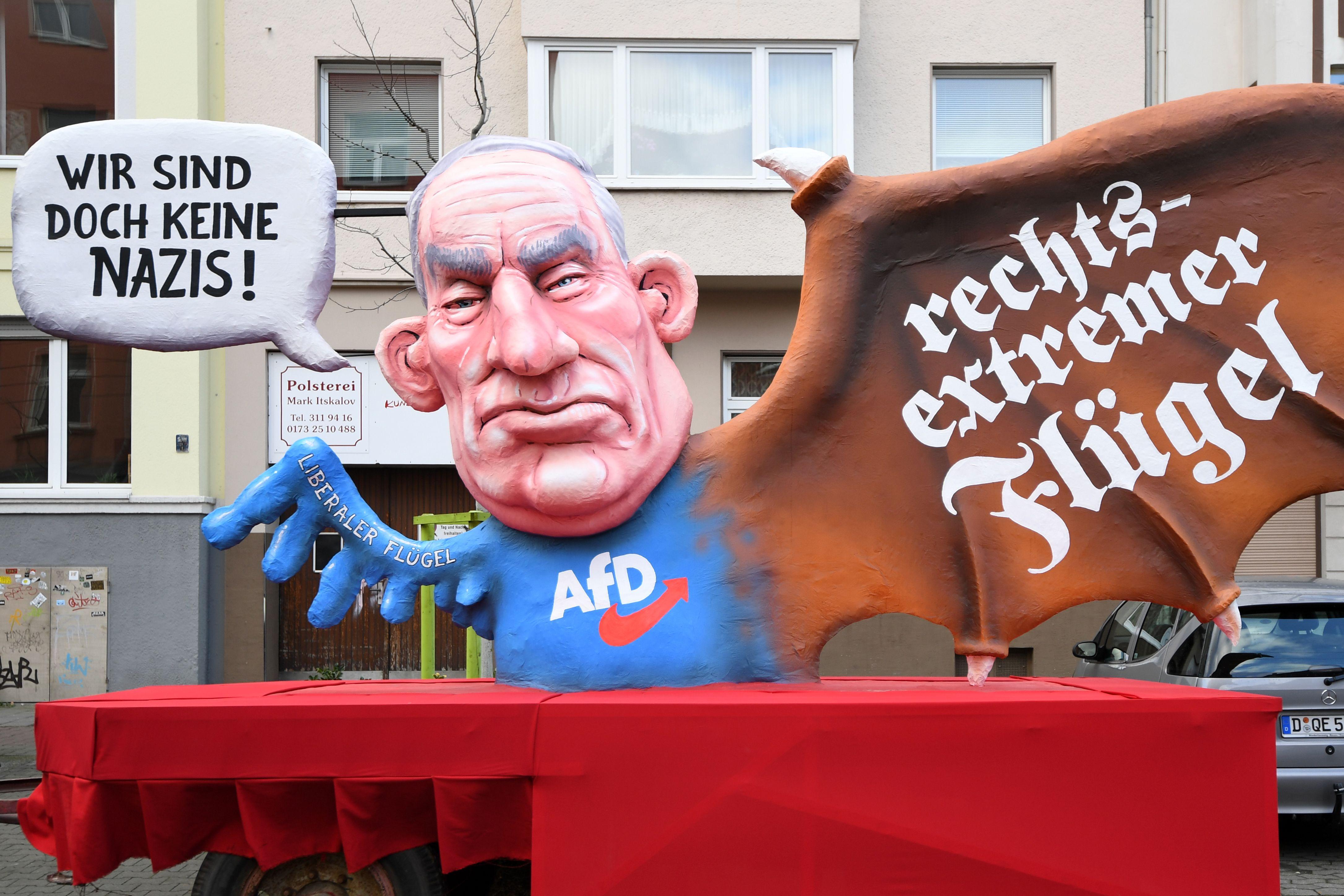 ألكسندر جولاند زعيم المجموعة البرلمانية للحزب اليمينى المتطرف