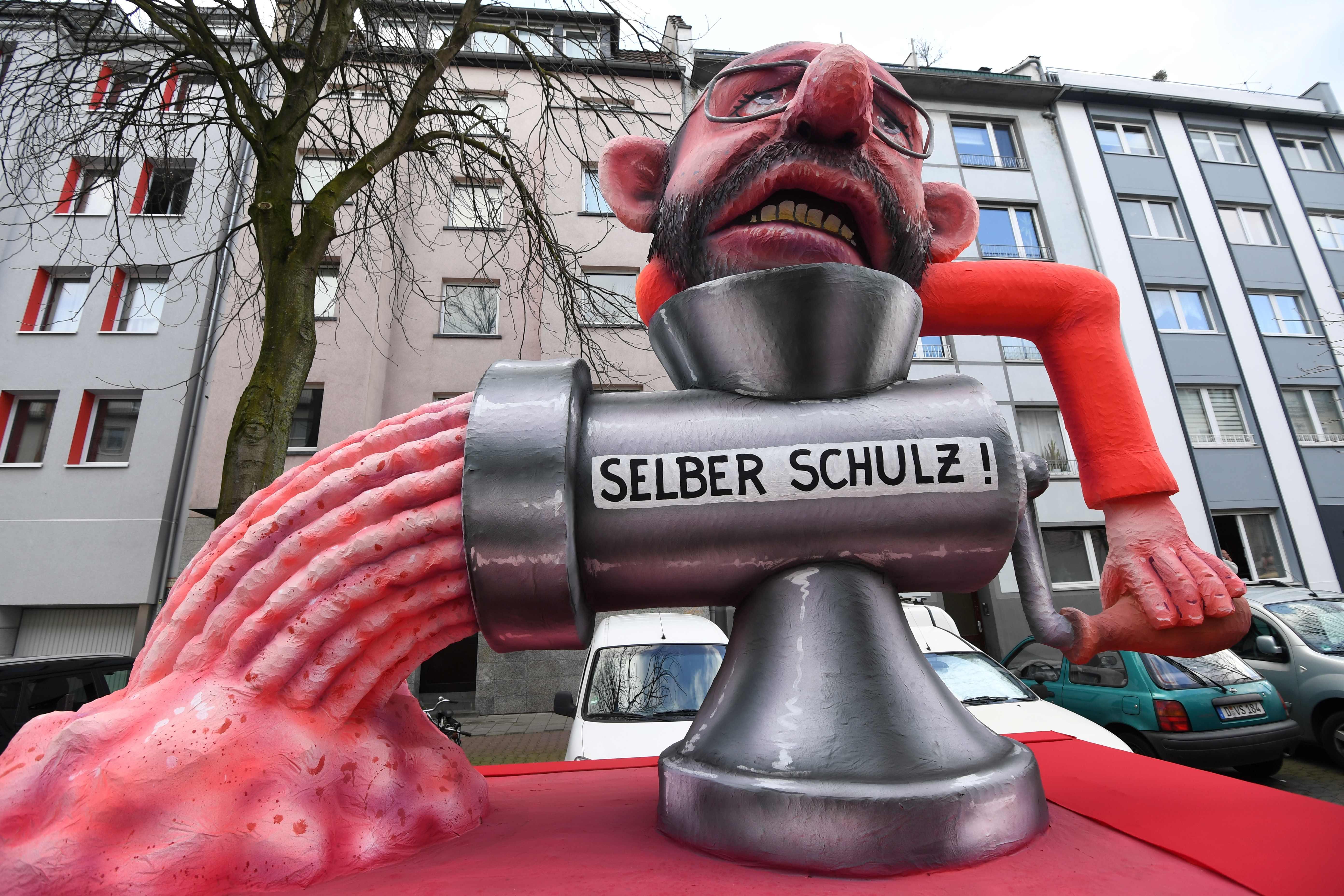 الألمان يسخرون من زعيم الحزب الديمقراطي الاشتراكي الألماني مارتن شولز