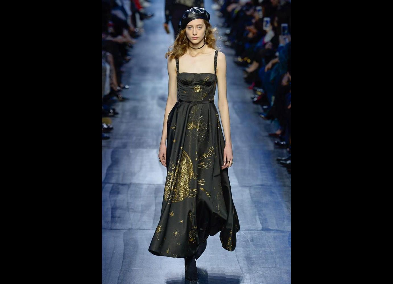 الفستان الأسود