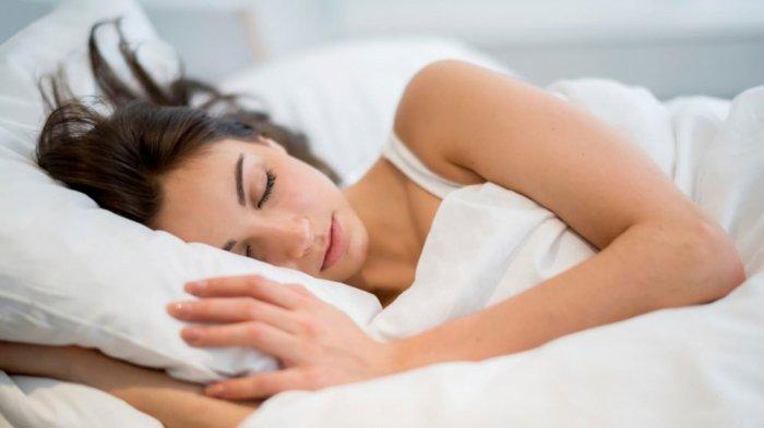 النوم على وسادة مرتفعة يؤدى الى الام وخشونة الرقبة