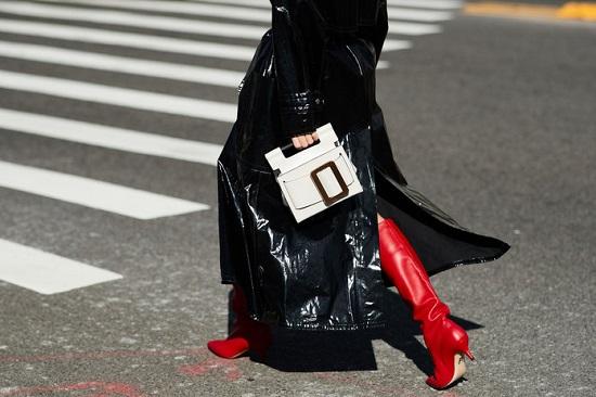 موديلات حقائب بأسبوع الموضة فى نيويورك (4)