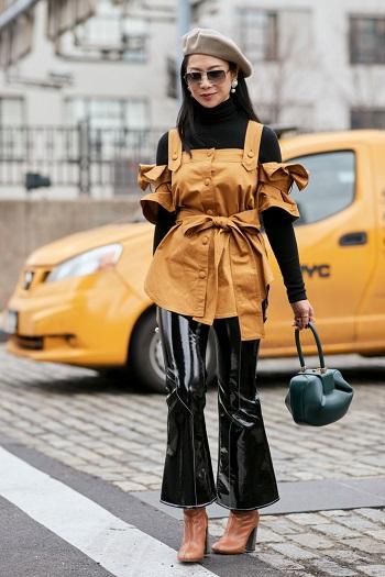 موديلات حقائب بأسبوع الموضة فى نيويورك (12)