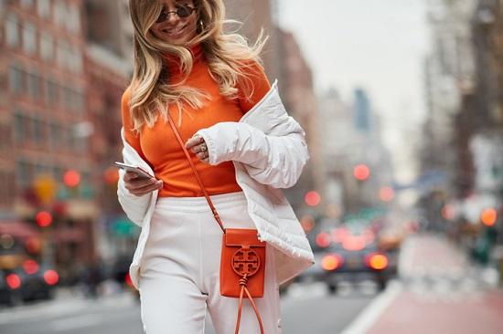 موديلات حقائب بأسبوع الموضة فى نيويورك (18)
