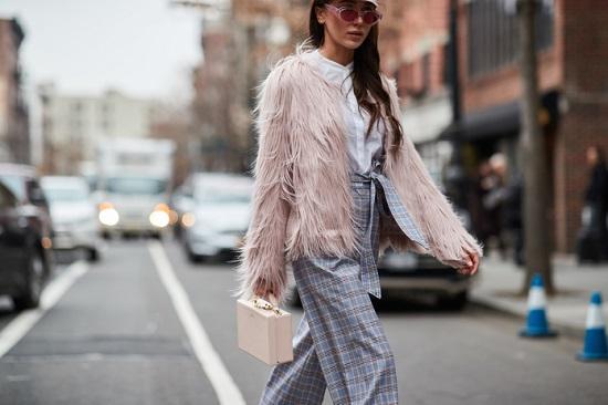 موديلات حقائب بأسبوع الموضة فى نيويورك (3)