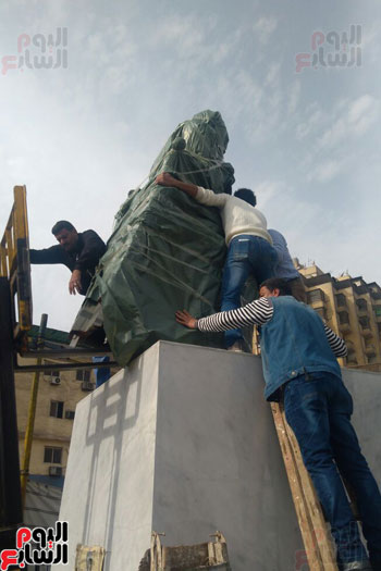 تمثال-محمد-عبد-الوهاب--(2)