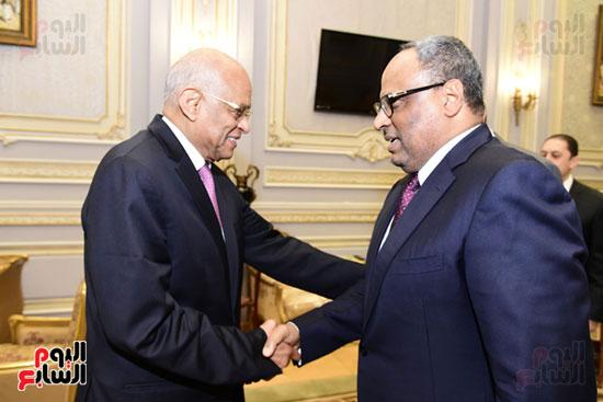 رئيس البرلمان يستقبل سفير الإمارات عقب انتهاء الجلسة العامة (1)