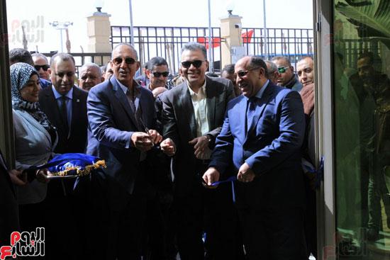 وزير النقل يدشن محطة متعددة الأغراض بميناء سفاجا  (2)
