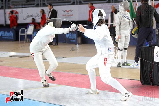 منافسات الشيش للشابات بالبطولة العربية للسلاح  (27)