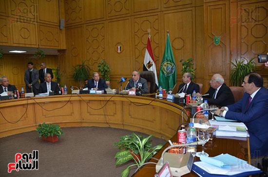 اللواء أبو بكر الجندى وزير التنمية المحلية (7)
