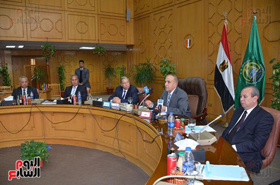 اللواء أبو بكر الجندى وزير التنمية المحلية (8)